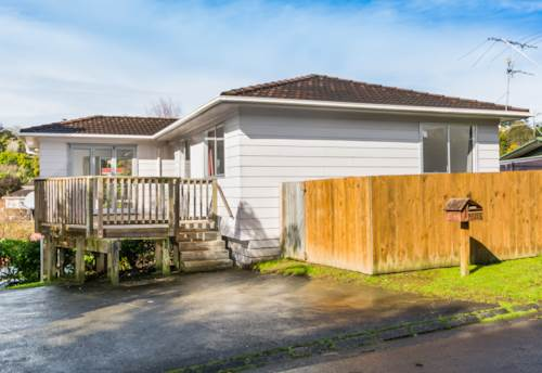 Browns Bay, Sunny Pet-Friendly Home in Rangitoto Zone, Property ID: 12001139 | Barfoot & Thompson