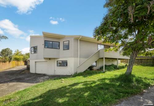 West Harbour, Sunny, Spacious & Super Location, Property ID: 809487 | Barfoot & Thompson