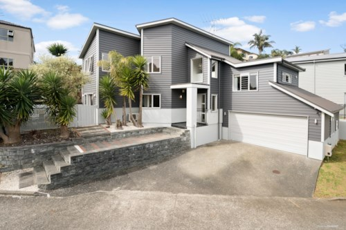 Browns Bay, Well Appointed Pet-Friendly Home in Rangitoto Zone , Property ID: 12001170 | Barfoot & Thompson