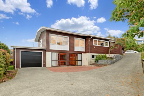 Mairangi Bay, Walk to Rangi - Home with Bonus Rumpus Spaces, Property ID: 12001177 | Barfoot & Thompson
