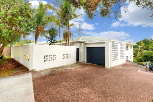 Torbay, Tidy Dog-Friendly Home , Property ID: 12001179 | Barfoot & Thompson