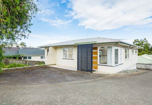 Browns Bay, Cat-Friendly Home in Handy Location, Property ID: 12001184 | Barfoot & Thompson