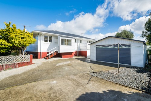 Glenfield, Spacious Pet-Friendly Home, Property ID: 12001189 | Barfoot & Thompson