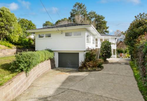 Forrest Hill, Renovated Home in Double Westlake Zone, Property ID: 12001213 | Barfoot & Thompson
