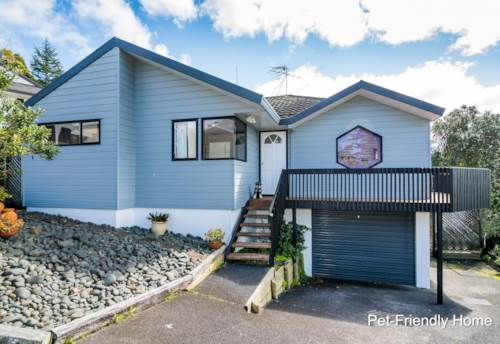 Browns Bay, Lovely Pet-Friendly Home with Sea Views , Property ID: 12001227   Barfoot & Thompson