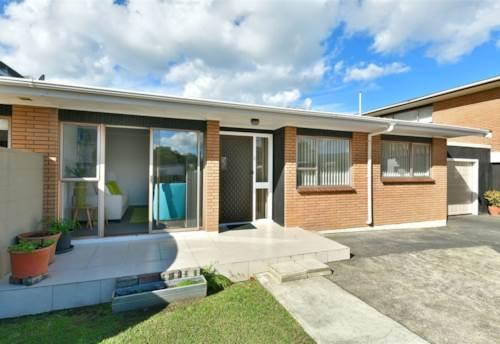 Orewa, Easy Lifestyle - Prime Location     , Property ID: 12001267   Barfoot & Thompson