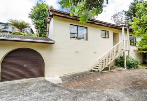Browns Bay, Tidy Cat-Friendly Home in Browns Bay, Property ID: 12001277 | Barfoot & Thompson
