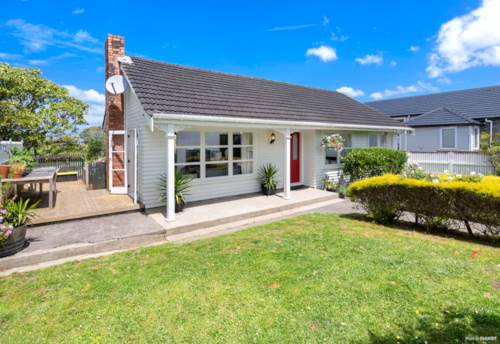 Milford, Dog-Friendly Home in Double Westlake Zone, Property ID: 12001279 | Barfoot & Thompson