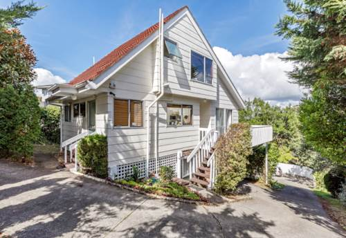 Northcote, Beautiful Home - Central Location, Property ID: 809818 | Barfoot & Thompson