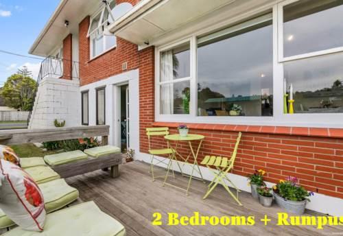 Browns Bay, Renovated 2 Bedroom Plus Rumpus, Property ID: 12002335 | Barfoot & Thompson