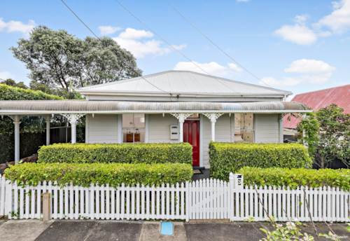 Stanley Point, ORIGINAL VILLA IN ENVIABLE LOCATION!, Property ID: 13001955 | Barfoot & Thompson