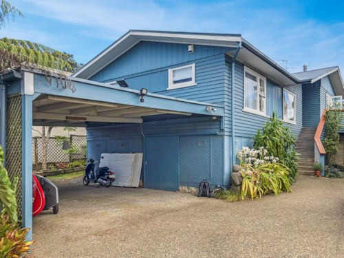 Devonport, BEACH SIDE LIVING!, Property ID: 13001956 | Barfoot & Thompson
