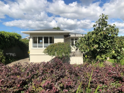Devonport, IT'S THE GOOD LIFE!, Property ID: 13001970 | Barfoot & Thompson