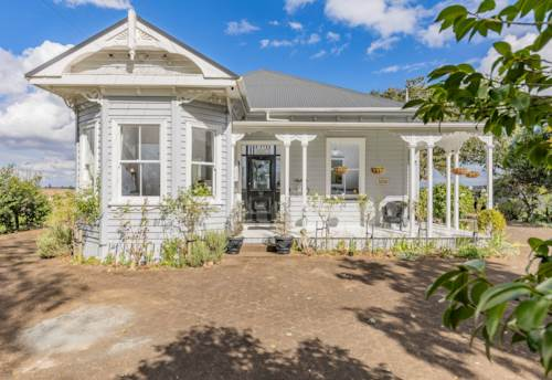 Hampton Downs, Fall in Love - An Ultimate Dream Home in Hampton Downs, Property ID: 809798 | Barfoot & Thompson