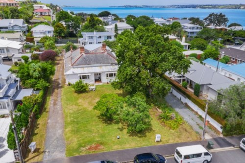 Devonport, CHARMING AND IN THE HEART OF DEVONPORT, Property ID: 13001973 | Barfoot & Thompson