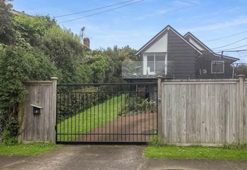 Devonport, FANTASTIC FAMILY HOME, Property ID: 13001998   Barfoot & Thompson