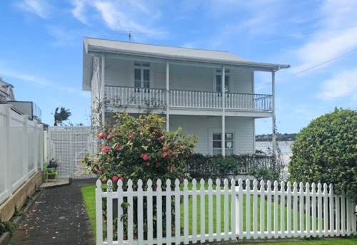 Devonport, STUNNING HOME WITH VIEWS! , Property ID: 13002006 | Barfoot & Thompson