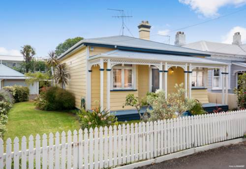 Devonport, Sunny Central 3 Bedroom Cottage, Property ID: 13002025 | Barfoot & Thompson