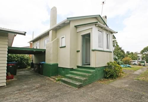 Onehunga, Cottage in the lovely suburb of Onehunga , Property ID: 14000755   Barfoot & Thompson