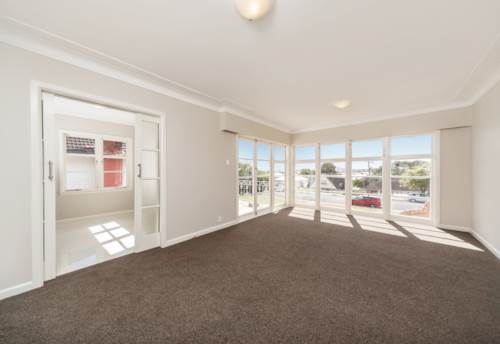 Mt Roskill, Comfortable Bunglow with plenty of character in Mt Roskill, Property ID: 14000774 | Barfoot & Thompson