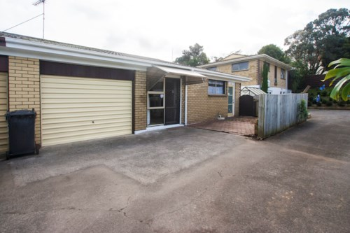 Onehunga, A Two Bedroom Delight in Onehunga, Property ID: 14000929 | Barfoot & Thompson