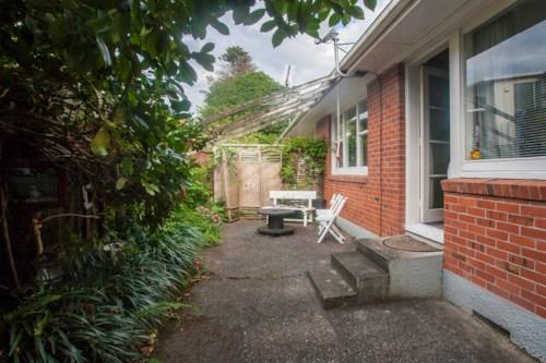 Onehunga, Little Gem, Property ID: 14000963 | Barfoot & Thompson