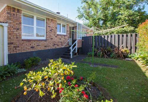 Onehunga, Great Unit in Top Location, Property ID: 14001036 | Barfoot & Thompson