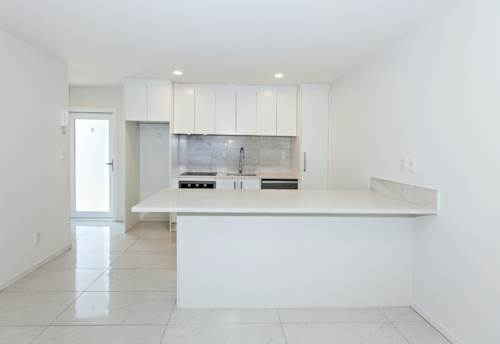 Onehunga, Modern Home Over Two Levels!, Property ID: 14001062 | Barfoot & Thompson