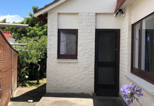 Lynfield, Lynfield 2 bedroom townhouse with single garage: Newly refurbished & redecorated, Property ID: 14001072 | Barfoot & Thompson