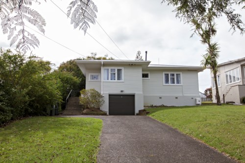 Mt Roskill, Modern Family Home, Property ID: 14001078 | Barfoot & Thompson
