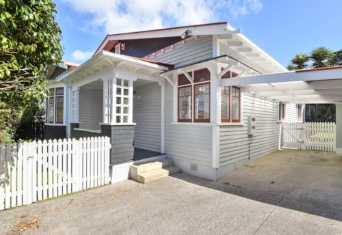 Royal Oak, Lovely house with Cornwall Park on the back door step, Property ID: 14001085   Barfoot & Thompson