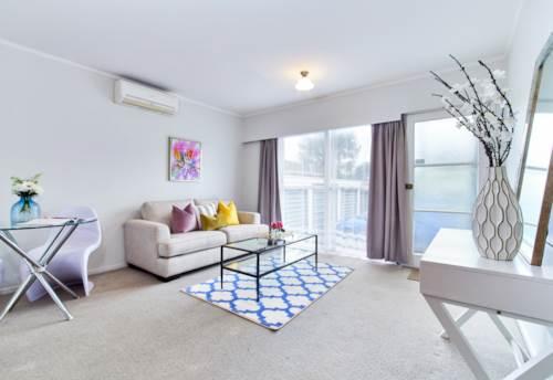Onehunga, Modern Clean 2 Bedroom Unit, Property ID: 14001103   Barfoot & Thompson