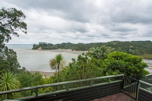 Titirangi, Substantial family home, Property ID: 14001126 | Barfoot & Thompson