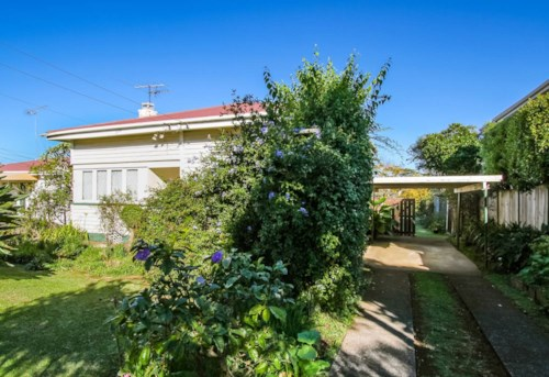 Onehunga, Two bedroom home on Grey street, Property ID: 14001133 | Barfoot & Thompson