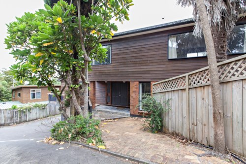 St Heliers, Spacious Townhouse , Property ID: 14001135 | Barfoot & Thompson