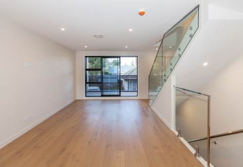 Royal Oak, Brand New Home - Modern, Stylish and Classy!, Property ID: 14001176 | Barfoot & Thompson