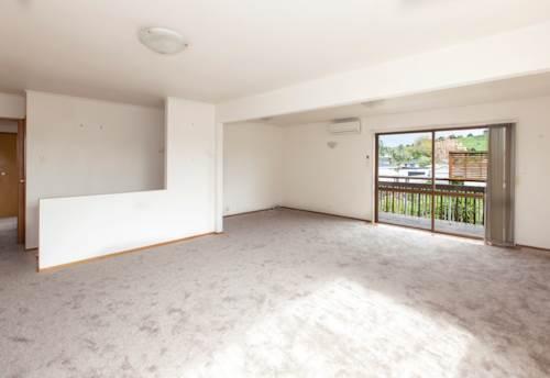 Half Moon Bay, New Carpets & Freshly Painted! , Property ID: 14001193 | Barfoot & Thompson