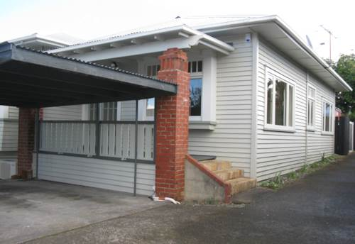 Onehunga, Sunny Character Bungalow!, Property ID: 14001195 | Barfoot & Thompson