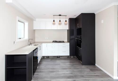 Hillsborough, New Renovated Through Out!, Property ID: 14001211 | Barfoot & Thompson