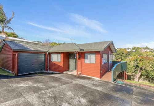 Glenfield, Healthy, Quiet and Warm Family Home, Property ID: 15000677 | Barfoot & Thompson