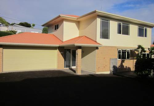 Mairangi Bay, Modern Family Home in Sought after area, Property ID: 19002295 | Barfoot & Thompson
