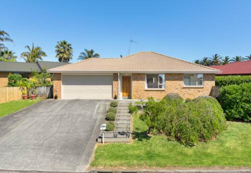 Pukekohe, A PLACE TO HANG YOUR HEART, Property ID: 810218 | Barfoot & Thompson