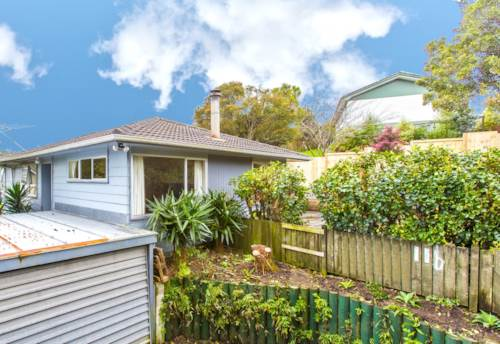 Glenfield, Freshly Painted Family Home, Property ID: 15000802 | Barfoot & Thompson