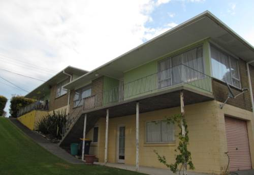 Glenfield, Elevated Home with New Carpet, Property ID: 15000817 | Barfoot & Thompson