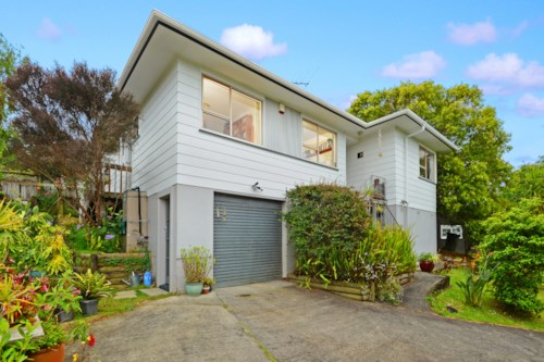 Birkdale, Family Home on Quiet Street , Property ID: 15000856 | Barfoot & Thompson