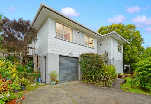Birkdale, Family Home on Quiet Street , Property ID: 15000856   Barfoot & Thompson