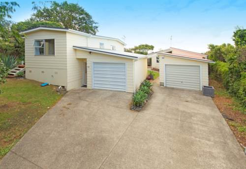 Stanmore Bay, Recently Renovated - Whangaparaoa College Zone, Property ID: 15000877 | Barfoot & Thompson