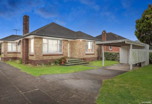 Papatoetoe, First time on the market in 18 years!, Property ID: 810349 | Barfoot & Thompson