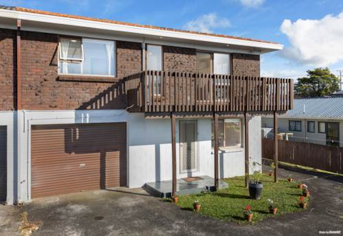 New Lynn, Solid Home with Views, Property ID: 810372 | Barfoot & Thompson
