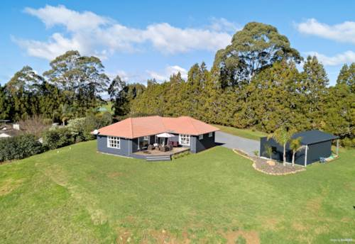 Kerikeri, Character Home, Large Total Span Shed and Fenced Paddocks, Property ID: 810389 | Barfoot & Thompson